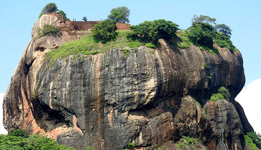 Sigiriya-Rock-Fortress-5th-Centurys-Ruined-Castle,-Sri-Lanka