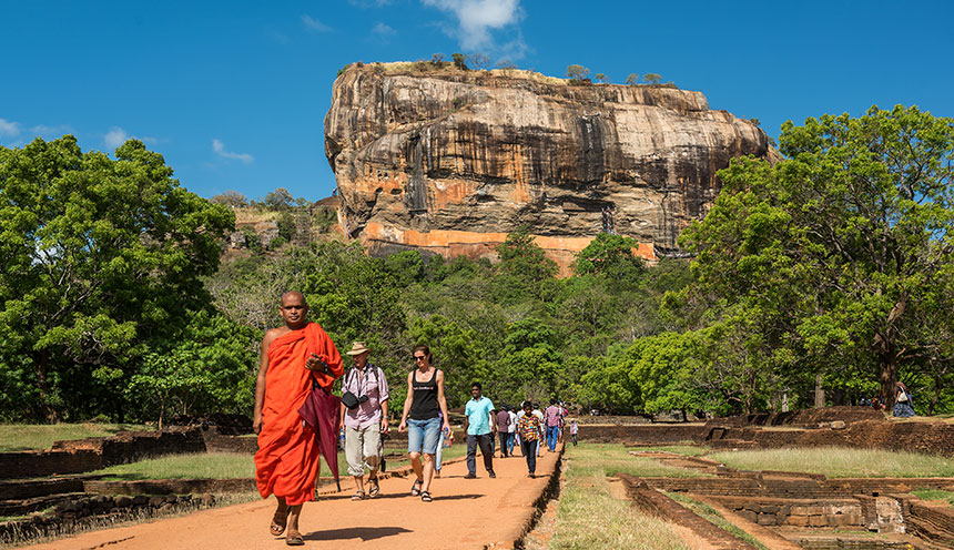 Sigiriya-lion-rock-fortress-Sri-lanka