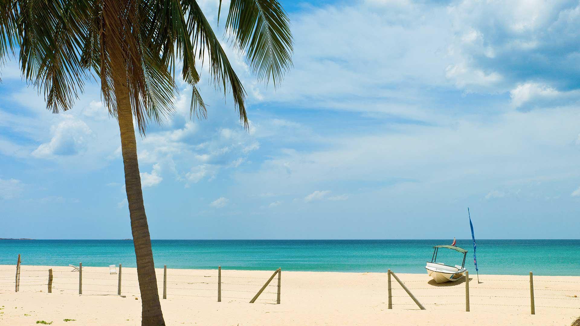 nilaveli_beach_trincomalee_sri_lanka